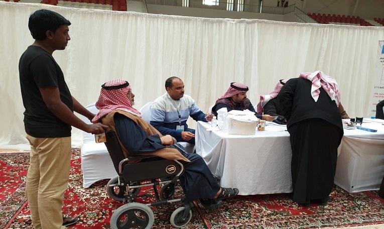 انتخابات الأندية   صورة.. رجل مُسن يشارك في الانتخابات من على كرسي متحرك