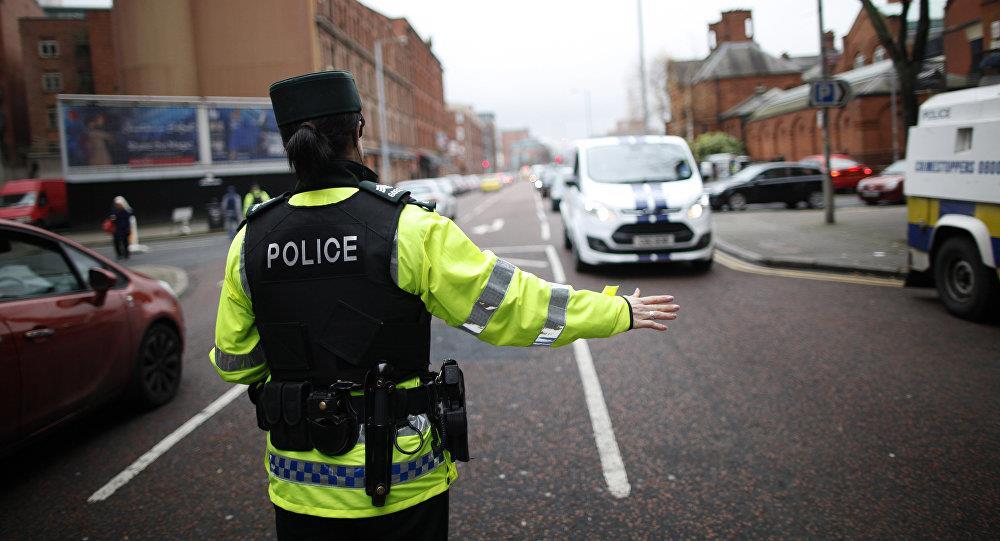 شرطة أيرلندا الشمالية تعلن عن وجود سيارة يشتبه بأنها ملغومة في لندنديري