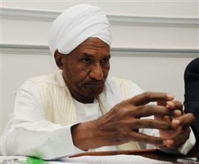 الصادق المهدي يدعو إلى «تحقيق أممي» في احتجاجات السودان