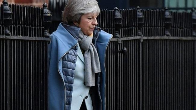 مكتب رئيسة الوزراء البريطانية يبدي مخاوف من «مؤامرات» برلمانية