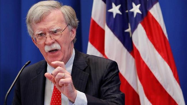 بولتون: سندرس رفع العقوبات عن قادة جيش فنزويلا إذا ساندوا غوايدو