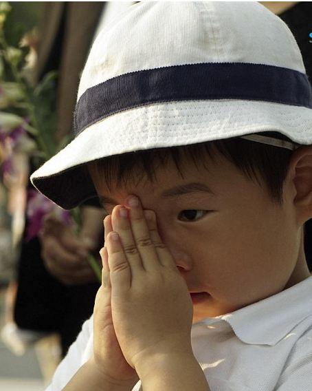 رئيس الوزراء الياباني يتعهد التصدي لـ«سوء معاملة الاطفال»