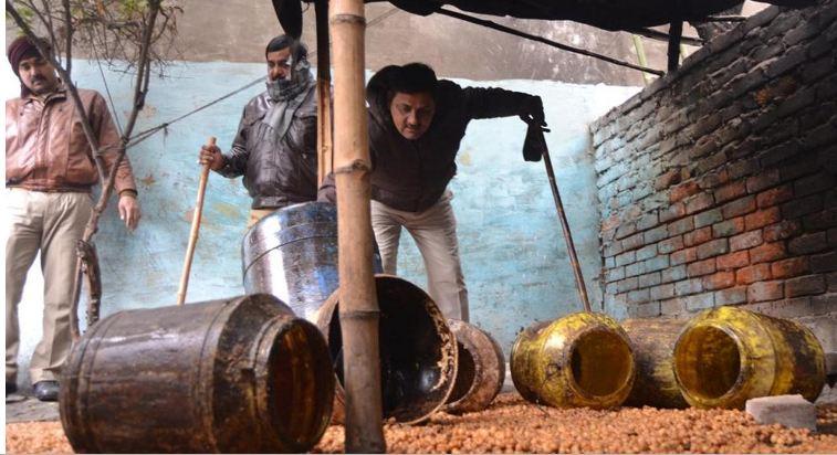 الهند: «الكحول المغشوشة» تودي بحياة أكثر من مئة شخص