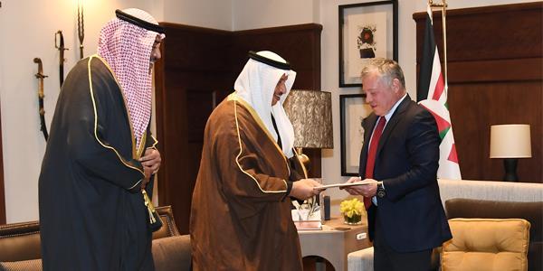 رئيس الوزراء ينقل رسالة «أميرية» إلى العاهل الأردني