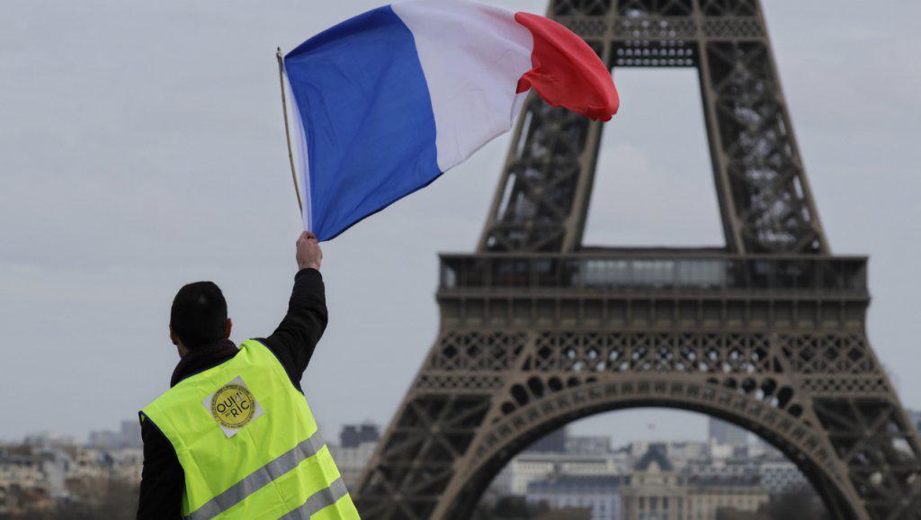 """فرنسا:  مطالبات بالتعويض عن أضرار مظاهرات """"السترات الصفراء"""""""