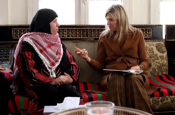 ملكة هولندا تزور أردنية فتحت بيتها دار ضيافة للأجانب