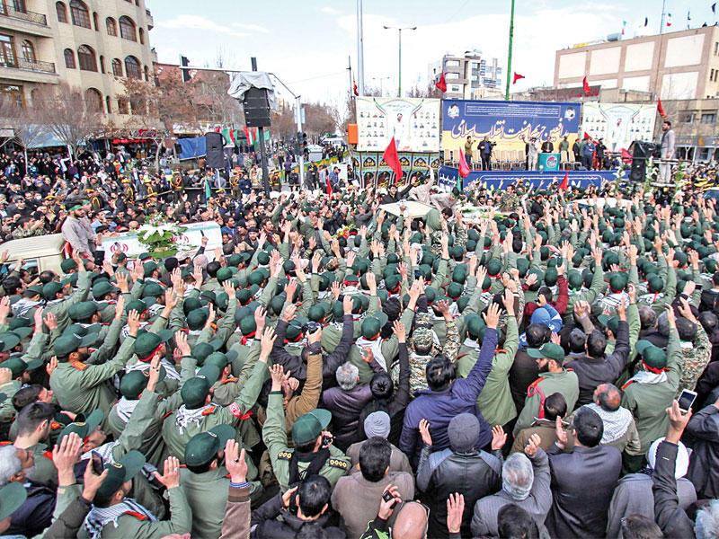 إيران تتهم باكستان بدعم هجوم زاهدان وتهدد السعودية