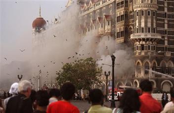 باكستان تحظر جماعتين ذات صلة بهجمات بومباي الهندية في 2008