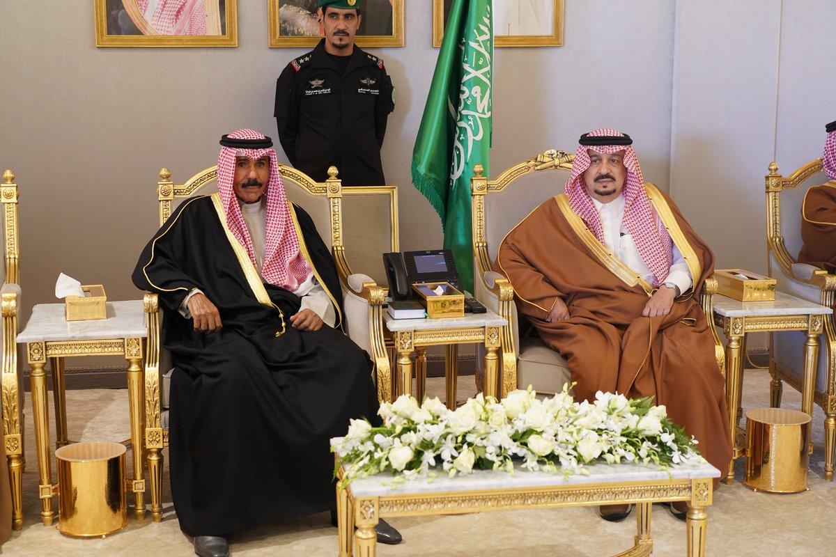 ممثل سمو أمير البلاد يغادر الرياض