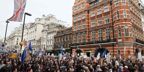تظاهرة واسعة في لندن للمطالبة باستفتاء جديد حول بريكست