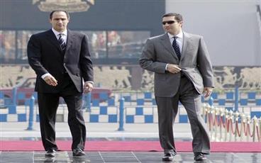 مصر.. تأجيل محاكمة علاء وجمال مبارك في «التلاعب بالبورصة» لـ 15 أبريل