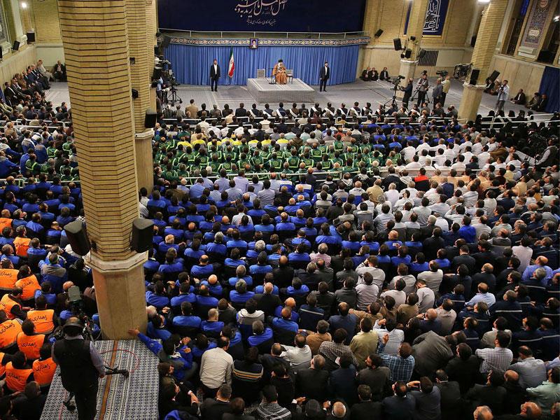 طهران تطلق رسائل حربية رفضاً لـ«خنق البترول»