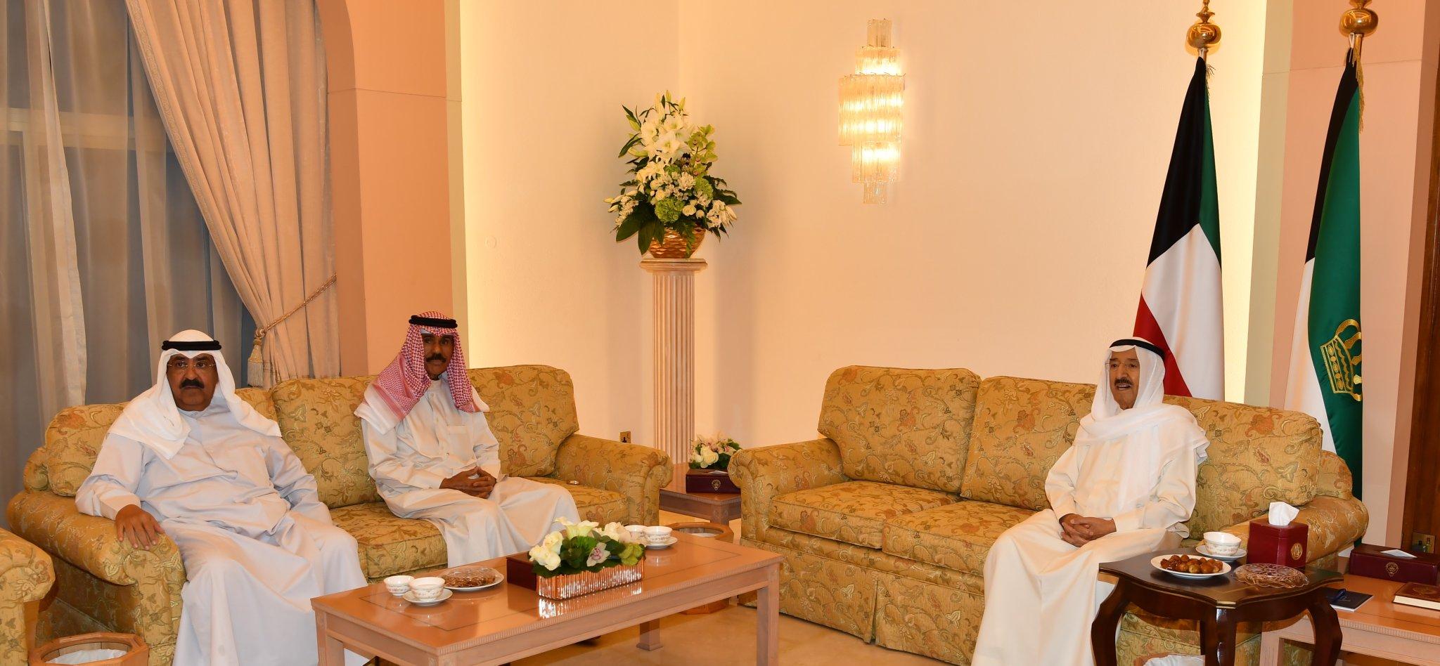 سمو الأمير يقيم مأدبة إفطار على شرف وزير الداخلية وكبار قادة الوزارة