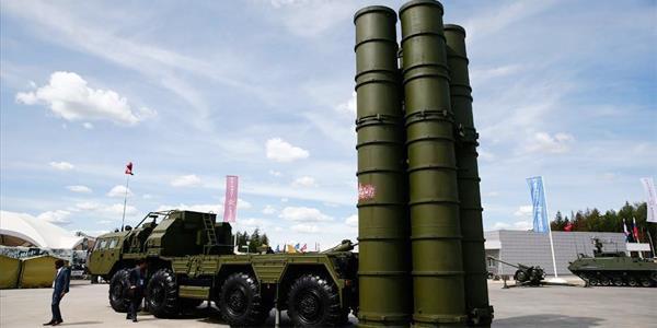 طلائع صواريخ إس-400 الروسية تصل إلى تركيا