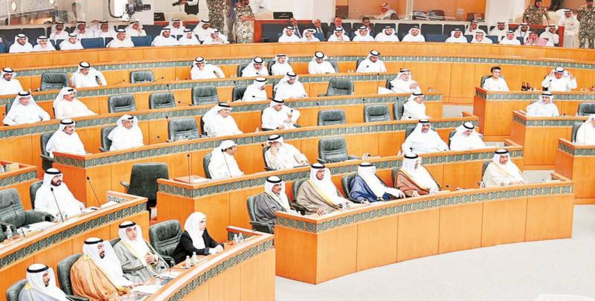 اللجنة البرلمانية ترصد تقصيراً في «المالية»
