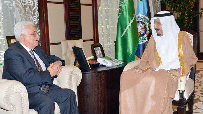 """الرئيس الفلسطيني يدين هجوم """"أرامكو"""" في اتصال هاتفي مع العاهل السعودي"""