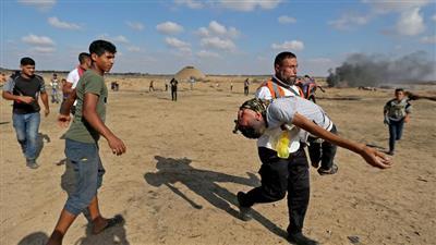 إصابة 69 فلسطينيًا برصاص جيش الاحتلال الإسرائيلي على حدود غزة