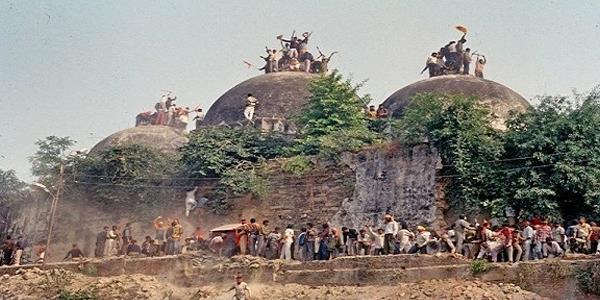 المحكمة العليا في الهند تسمح ببناء معبد هندوسي في موقع أيوديا المتنازع عليه