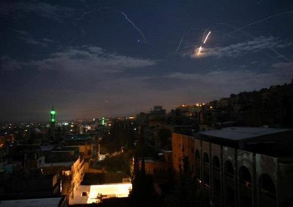 مقتل 7 عناصر من الجيش السوري والحرس الثوري الإيراني في القصف الإسرائيلي ليلا