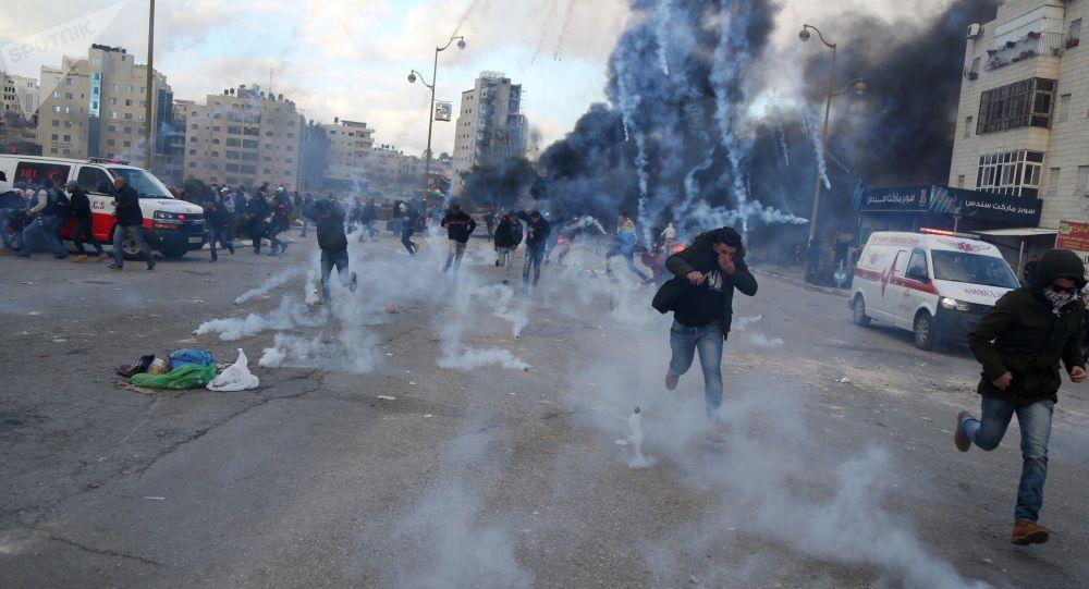الضفة الغربية.. إصابة عشرات الفلسطينيين خلال مواجهات مع قوات الاحتلال