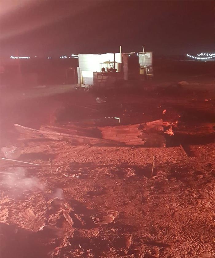 حريق خيمة يودي بحياة طفل وإصابة أمرأة