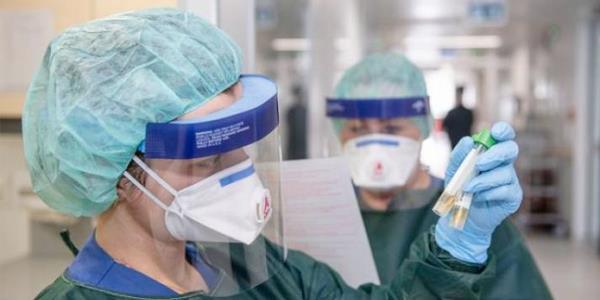 واشنطن تجري تحاليل «كورونا» لمن تظهر عليهم أعراض الإنفلونزا