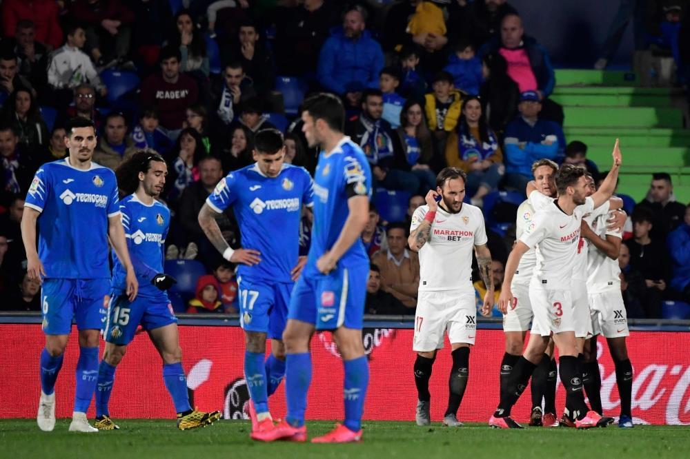 اشبيلية يشعل الصراع على المربع الذهبي في الدوري الإسباني