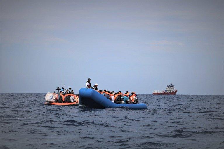مالطا تنقذ 140 مهاجرا وتبقيهم خارج مياهها الإقليمية