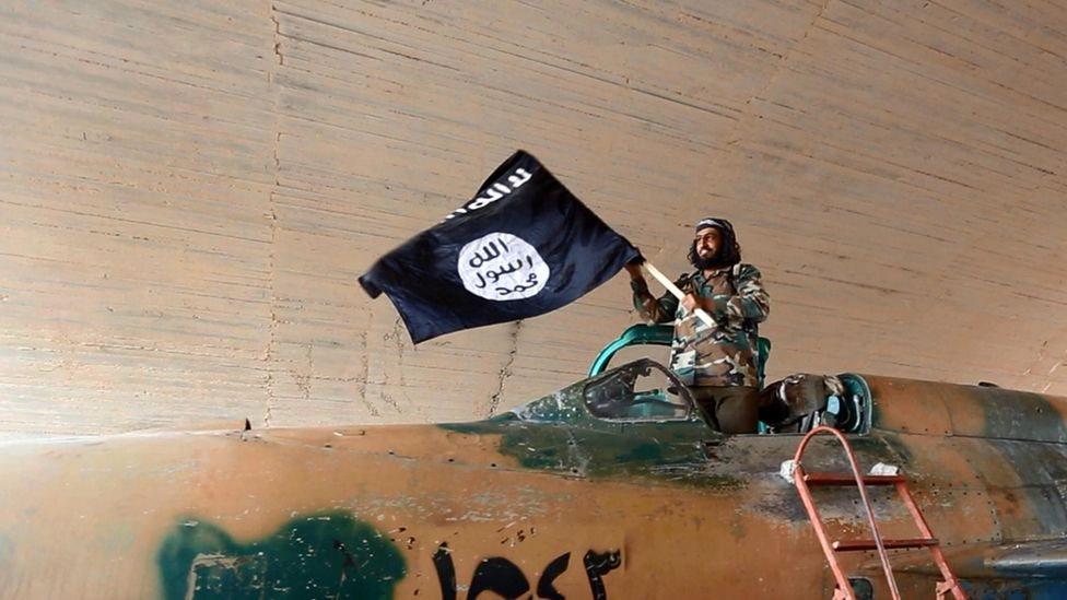 """مطالبات أوروبية بتوجيه تهم ارتكاب جرائم حرب لمقاتلي """"الدولة الإسلامية"""""""