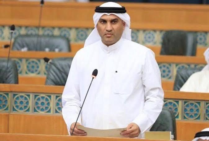 عبدالله الكندري: خطة الحكومة للعودة للحياة الطبيعية تفتقر للإعلان عن مراحل الخطة التعليمية
