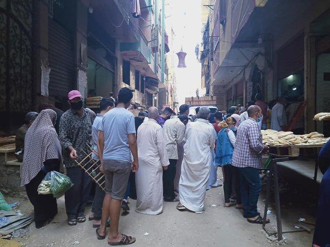 الحكومة المصرية تنفي اعتزامها رفع سعر الخبز المدعم