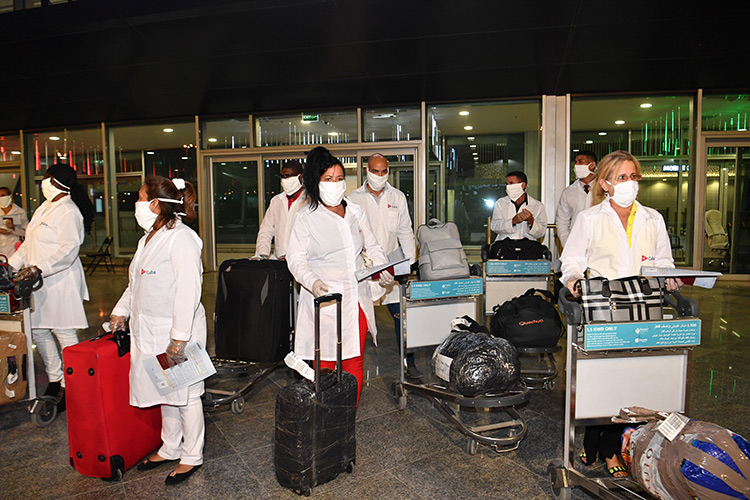 """المطيري لـ""""الأنباء"""": البعثة الطبية الكوبية ستعمل في المستشفى الميداني بمشرف وستبقى في الكويت 6 أشهر"""