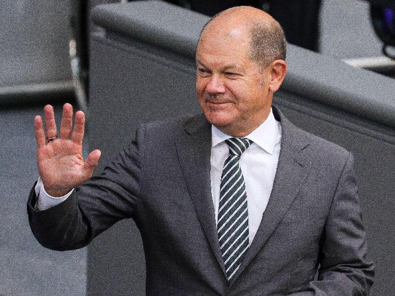وزير المالية الألماني يتعهد بدعم مالي لأوروبا