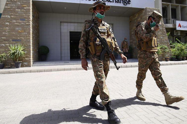 باكستان: الهند متورطة في الهجوم على بورصة كراتشي