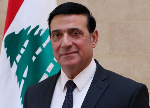 لبنان يرفع تعرفة سيارات الأجرة والحافلات بنسبة 50 في المئة