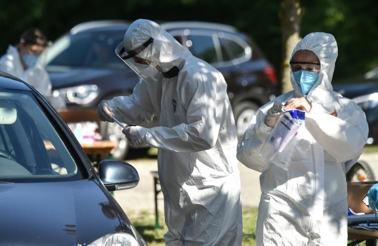 ألمانيا تعتزم إجراء فحوص إلزامية للعائدين من مناطق تشهد تفشيا لـ«كورونا»