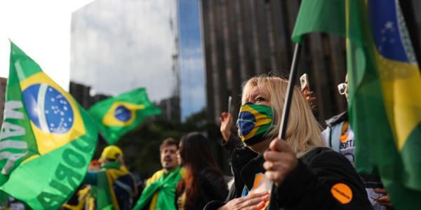الفحوص تثبت إصابة خامس وزير في البرازيل بـ «كوفيد-19»