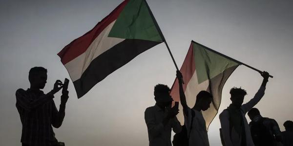 السودان يعرب عن استعداده للعمل مع واشنطن لحذفه عن قائمة الدول الراعية للإرهاب