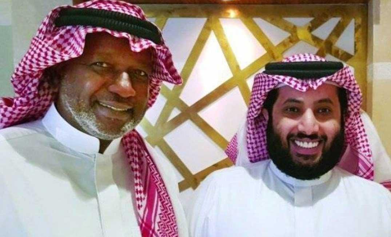 رسالة مؤثرة من أسطورة الكرة السعودية لتركي آل الشيخ: «قم يا بطل»