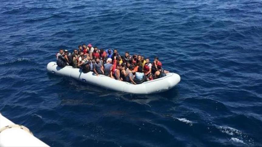 بريطانيا تدرس منع قوارب المهاجرين قبل دخولها مياهها الإقليمية