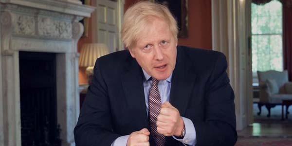 جونسون يتّهم الاتحاد الأوروبي بالتهديد بفرض «حصار» غذائي بين بريطانيا وإيرلندا الشمالية
