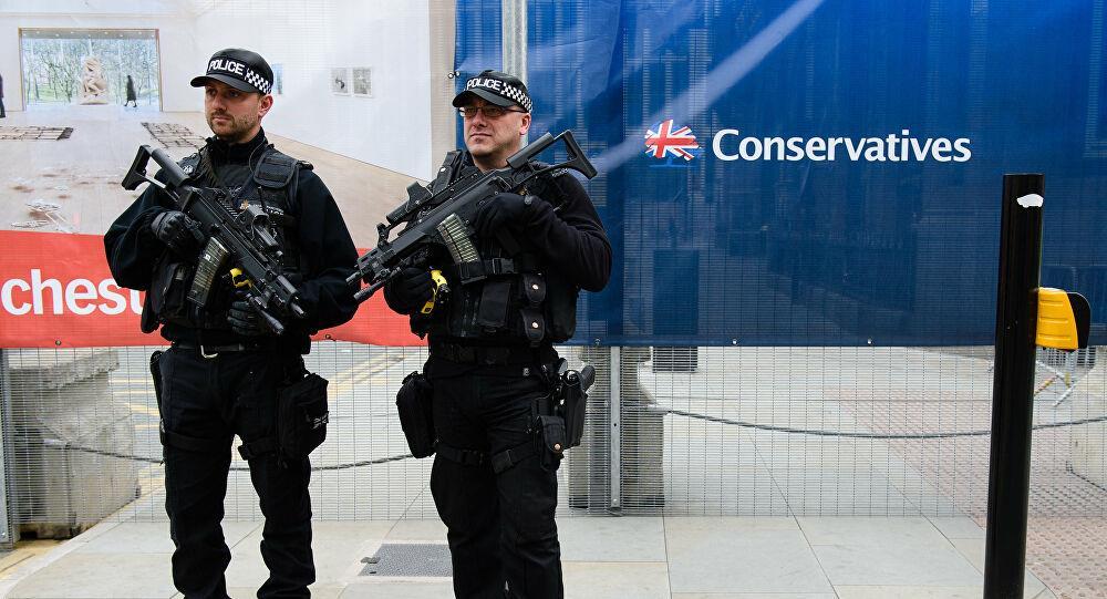 الشرطة البريطانية تعتقل رجلا للاشتباه في إحداث تفجير شمال لندن