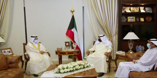 نائب وزير الخارجية الكويتي يجتمع مع السفير البحريني