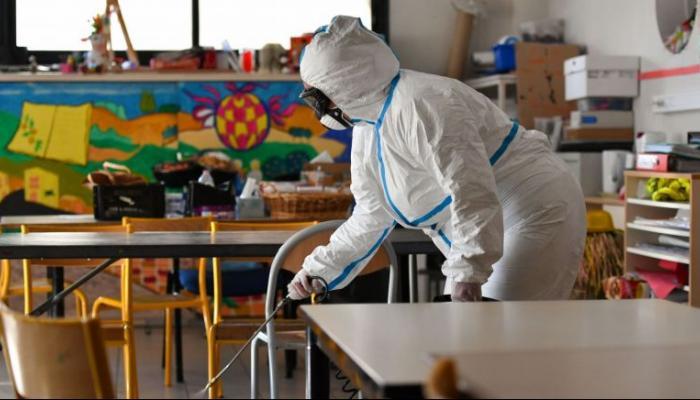 فرنسا تغلق 81 مدرسة بعد تفشي كورونا