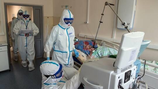 """علماء الفيروسات يكشفون فترة بقاء المتعافي من """"كوفيد-19"""" مصدرا للعدوى"""