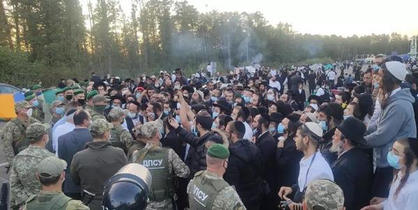 أوكرانيا ترفض دخول أكثر من ألفي حاج يهودي بسبب وباء كوفيد19