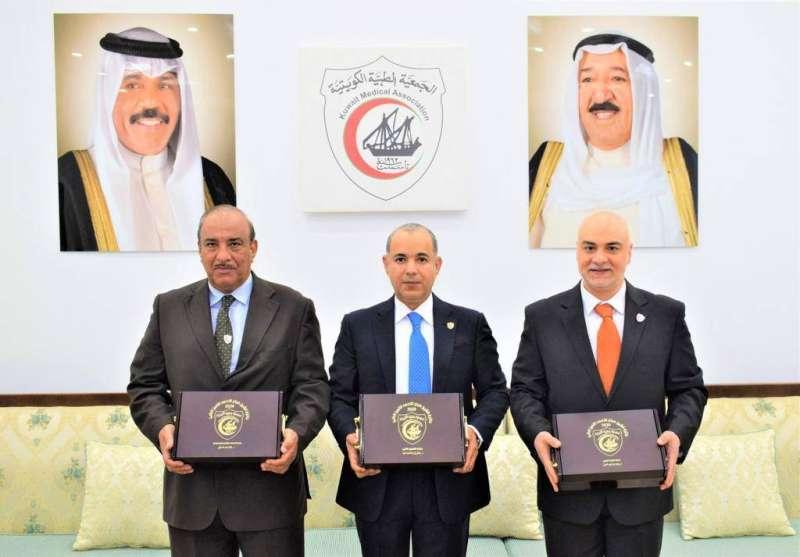 3 أطباء يفوزون بجائزة سمو الأمير للتميز الطبي