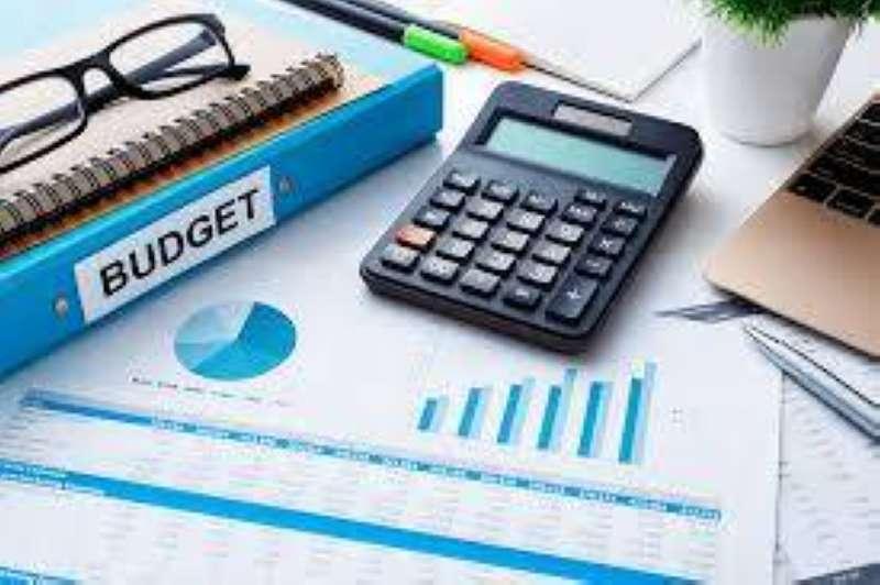 14 مقترحاً تسترشد بها الحكومة لضغط الإنفاق