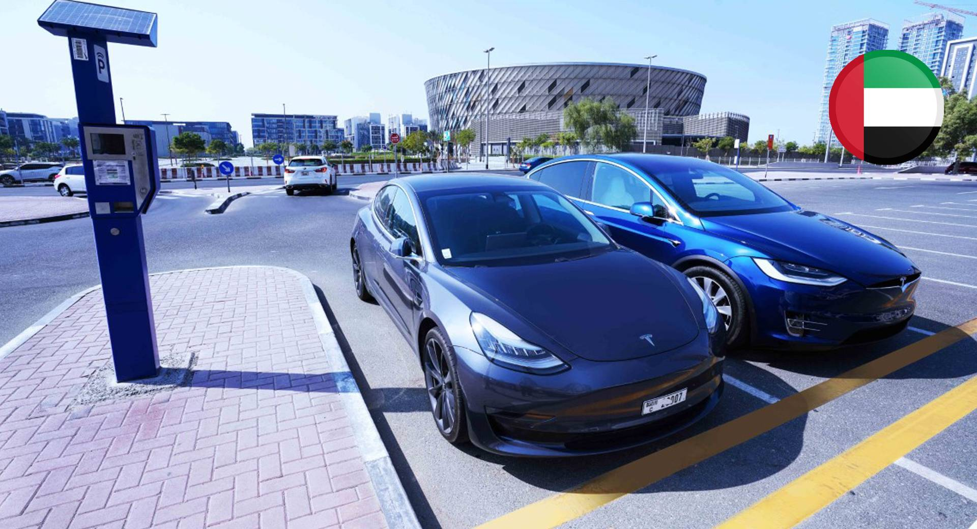 دبي تعفي المركبات الكهربائية من دفع تعرفة المواقف العامة عامين