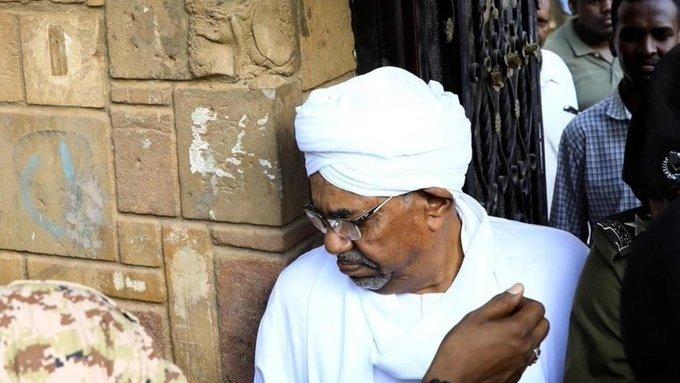 وفد من المحكمة الجنائية الدولية في السودان لبحث تسليم المطلوبين دوليا بينهم عمر البشير